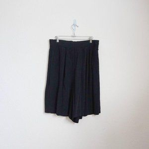 Pants - Fitting Image vintage black flowy lounge shorts